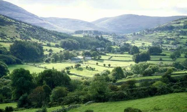 UK_Northern_Ireland_Mourne_from_Tollymore_6c1835354930431c94de940ff99b83ed
